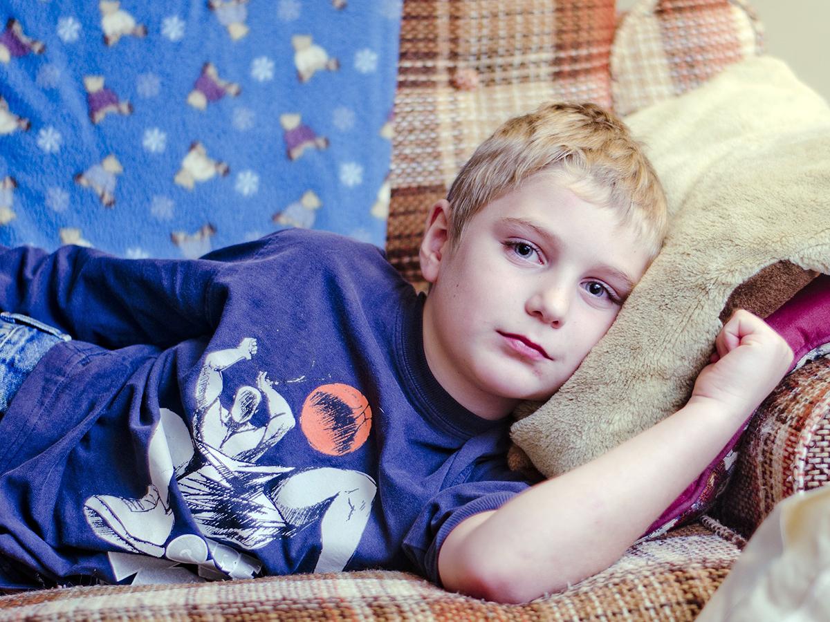 自閉症の子はそうでない子に比べ、もっと痛く感じている可能性
