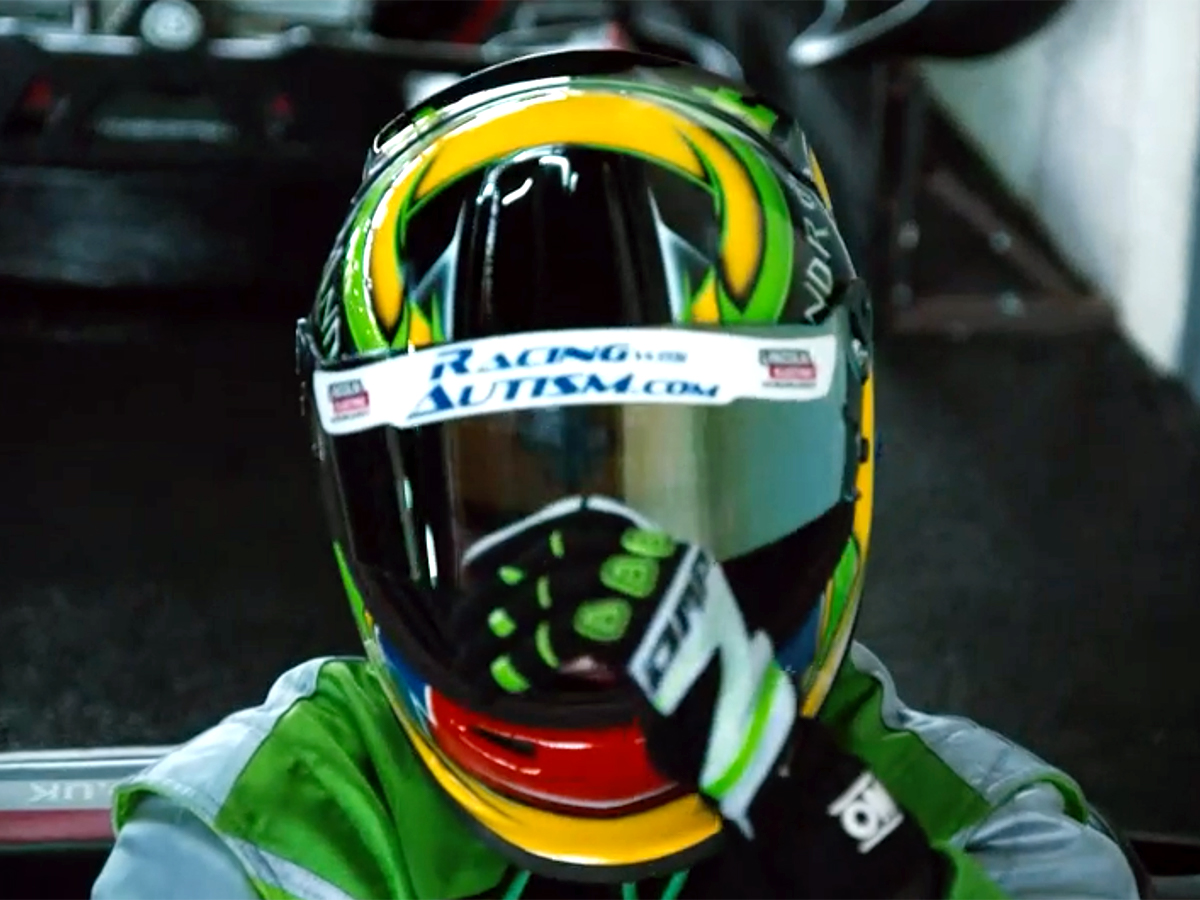 自閉症のCEOは語る。モータースポーツが自分を変えてくれた r2-1