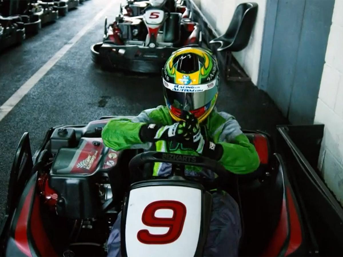 自閉症のCEOは語る。モータースポーツが自分を変えてくれた r9-1