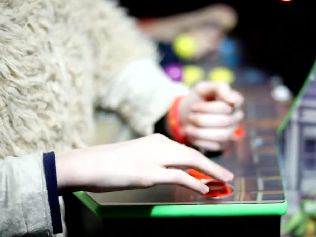発達障害の子も親も安心して楽しめ交流できる「ゲームナイト」 g16