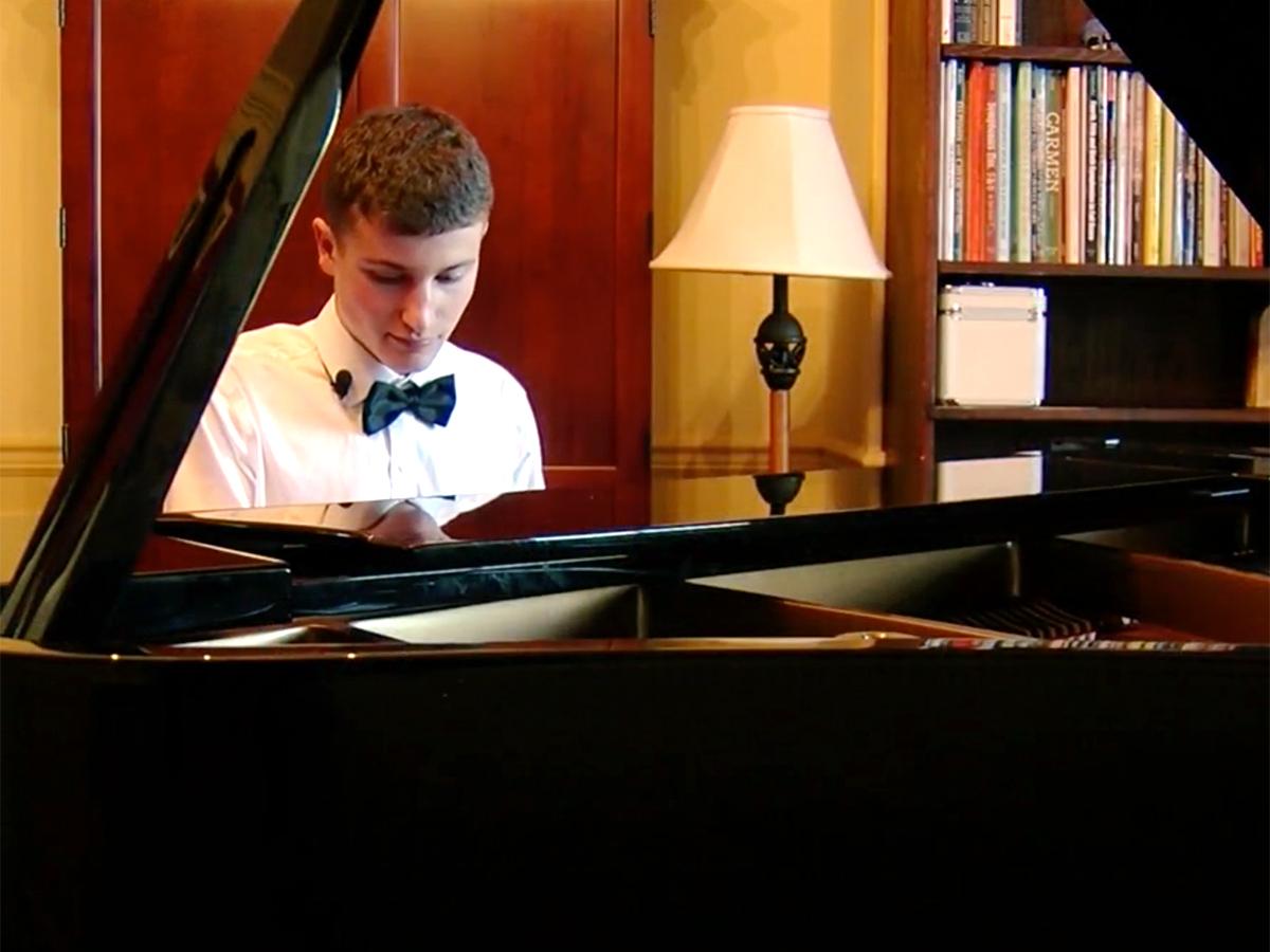 発達障害少年はピアノからトランペットに変えオーケストラで活躍 o11