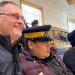 発達障害の青年と退職警官は毎週火曜日一緒に訓練パレードを見る