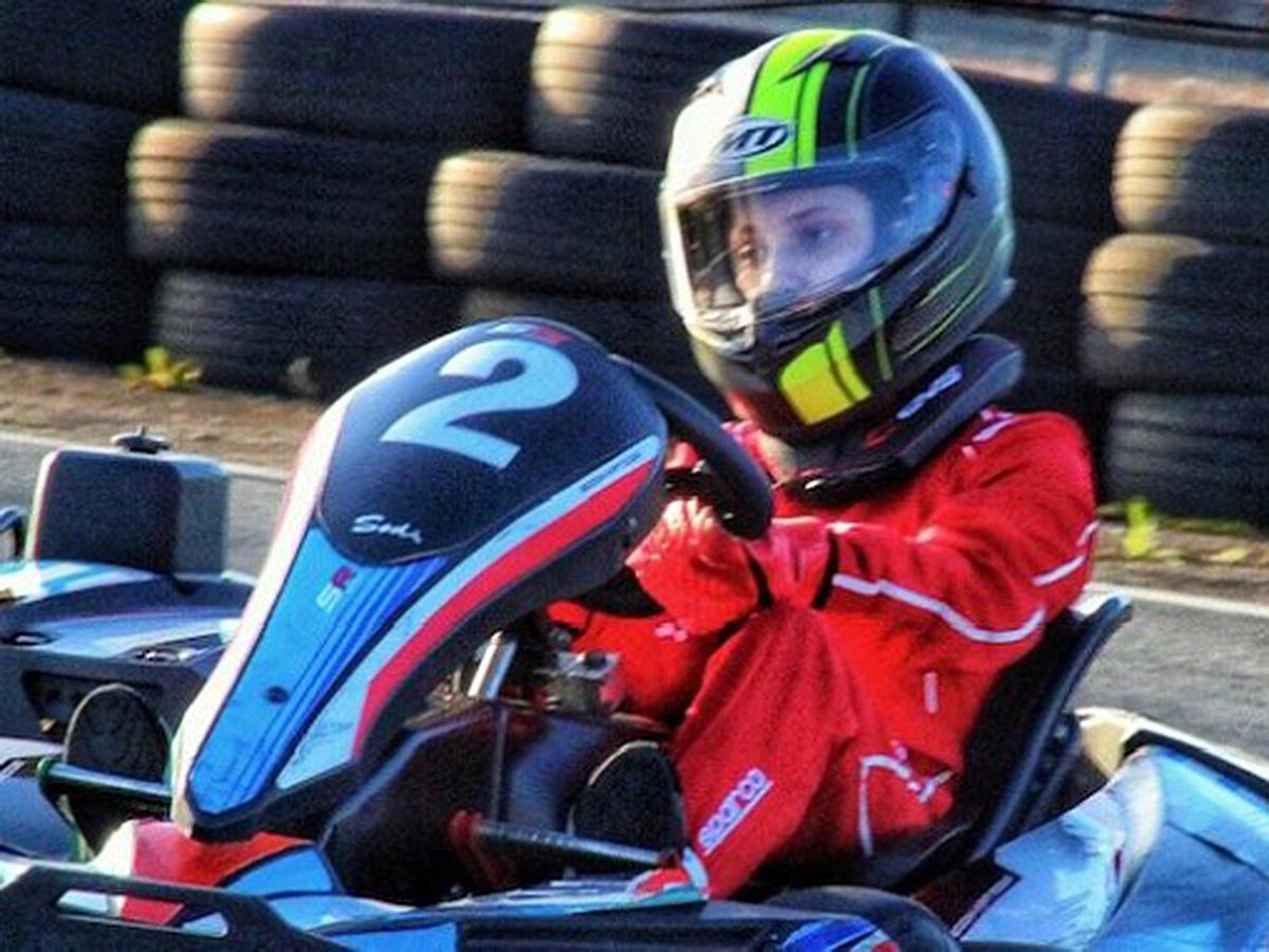 発達障害の少年がゴーカートの24時間耐久レースにチャレンジ