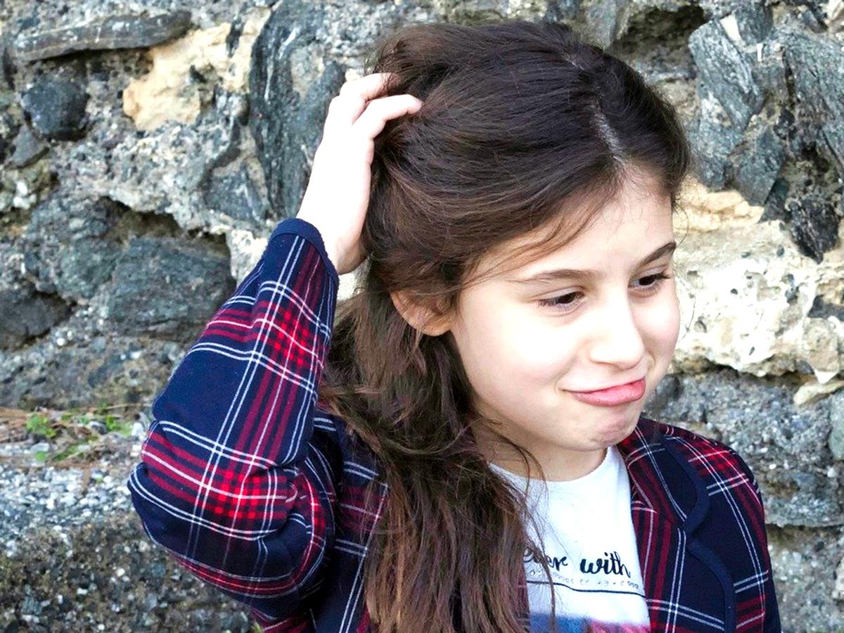 自閉症の人が見せる反復行動。感情を他の人に伝える手段にも