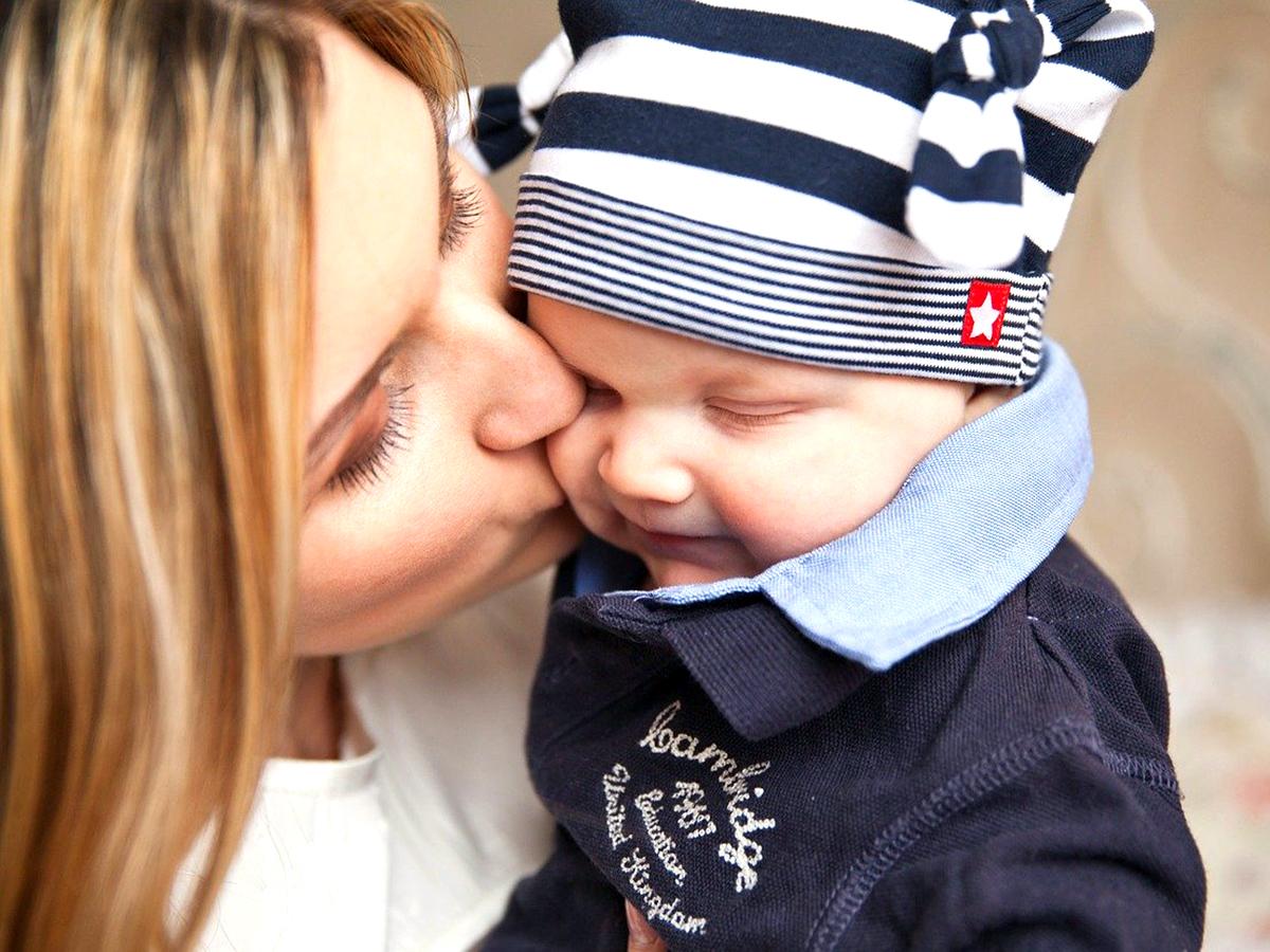 早期療育を助ける、生後6ヶ月でみせる自閉症の兆候行動の研究 b3-2