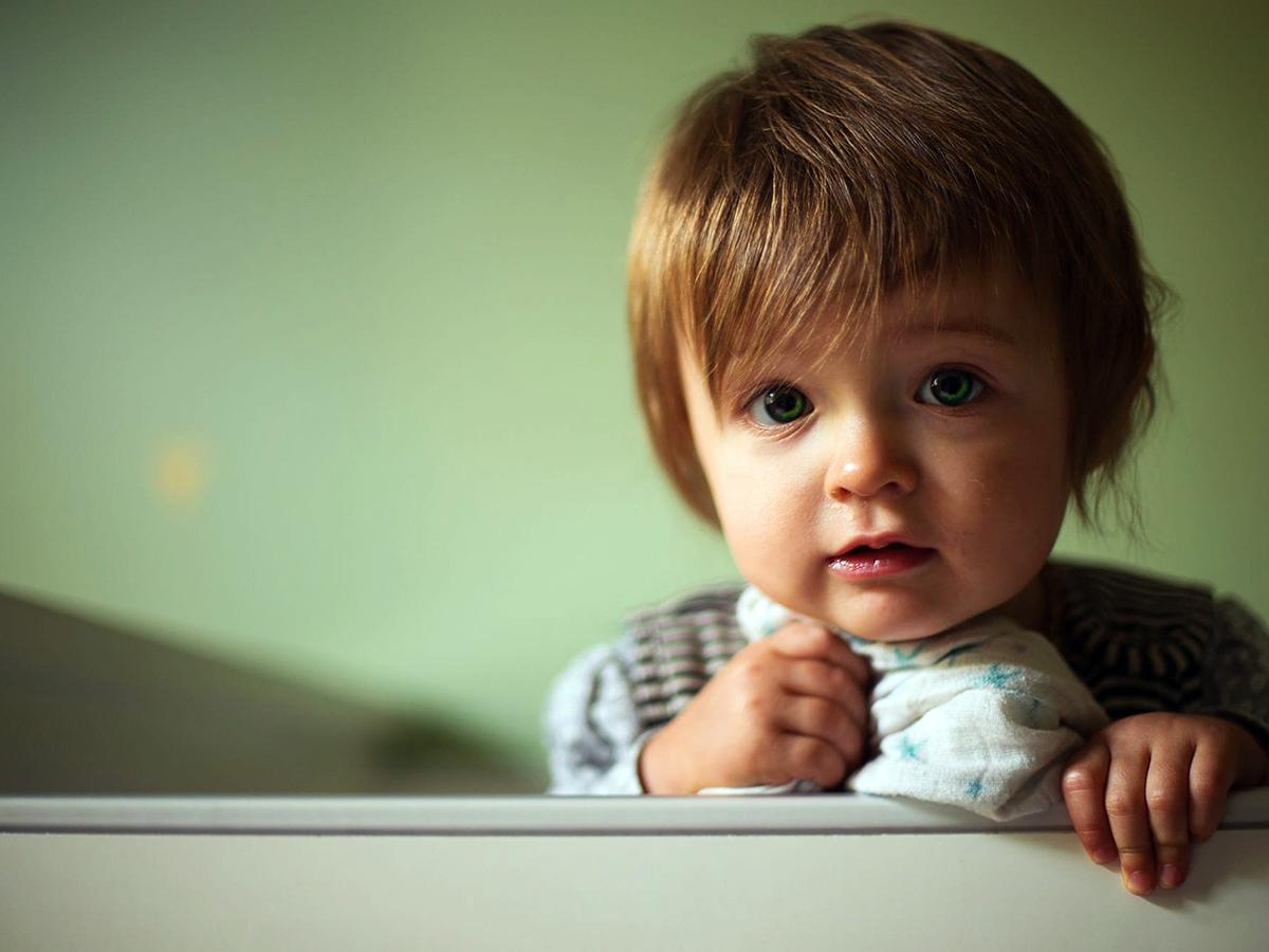 睡眠や感覚に問題がある幼児は自閉症である可能性が高い。研究