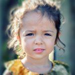 自閉症の原因は特定の遺伝子変異と幼少期の重度の感染症。研究